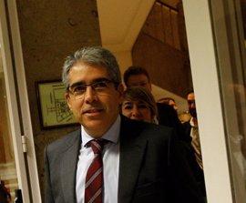 """Homs exime a Artur Mas de responsabilidad y cree al tesorero de CDC y no a los """"delincuentes"""" del Palau"""