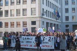 Cánticos contra el PP y el PSOE en la manifestación contra la LOMCE en Oviedo