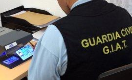 Dos detenidos en Villanueva de la Serena por hacerse pasar por otra persona en el examen del carné de conducir