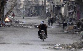 Ataques aéreos sobre Deir al Zor dejan al menos siete civiles muertos y otros 70 heridos