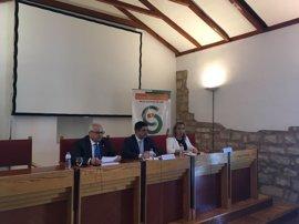 """Reyes remarca el papel del CES a la hora de """"dar voz"""" al tejido económico y social jiennense"""