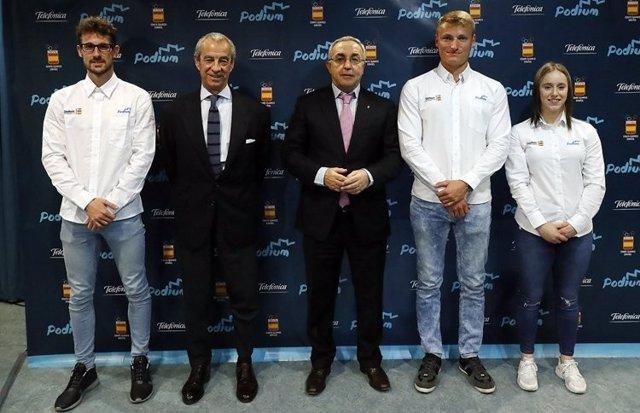 Alejandro Blanco con Marcus Cooper y Álvaro de Arriba