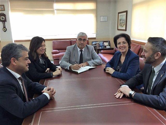 Ramírez de Arellano se reúne con la Autoridad Portuaria