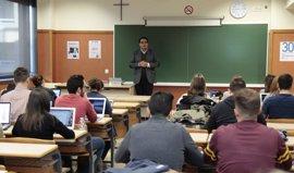 Un profesor de Michigan (EEUU) pide en València que Trump cierre su cuenta de Twitter