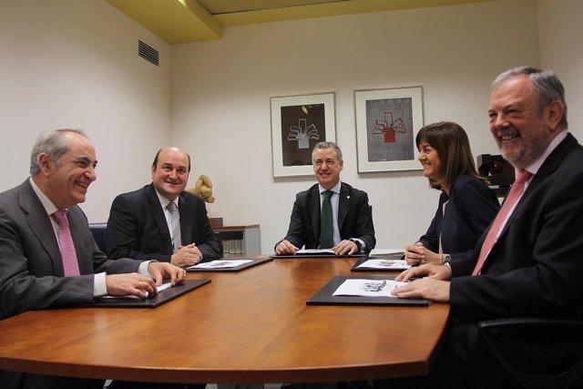 Reunión del PNV y el PSE-EE con Urkullu y Azpiazu