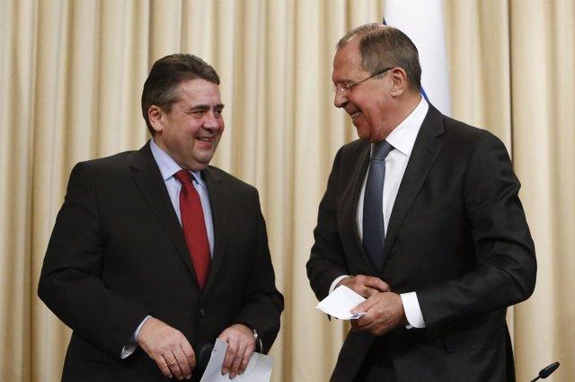 Sergei Lavrov y Sigmar Gabriel