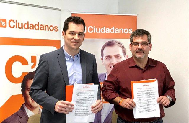 Carballo, de Ciudadanos, y Villena en rueda de prensa