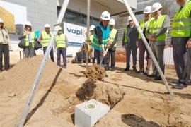 EasyHotel inicia en L'Hospitalet la construcción del primer hotel de la cadena en España