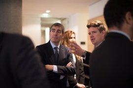 Clavijo 'vende' Canarias a los empresarios de Hamburgo exponiendo los instrumentos fiscales como los más bajos de Europa