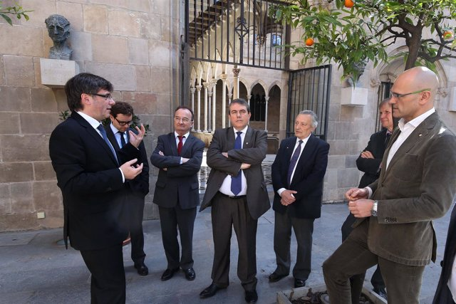 Puigdemont con diputados franceses