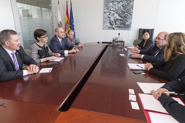 Oria recibe a una delegación de Rumanía
