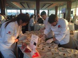 El chef madrileño Javier Estévez participa en el menú de una multitudinaria gala benéfica en Nueva York