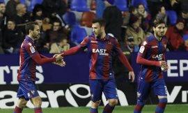 Getafe y Tenerife se enfrentan por defender su puesto en los 'play-off'