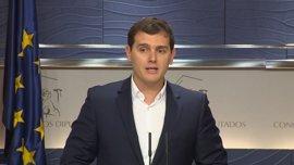 """Rivera matiza a Girauta: """"Si desimputan al presidente murciano veremos si hay que rehacer el pacto o ir a elecciones"""""""