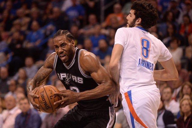 Kawhi Leonard y Abrines en el San Antonio Spurs - Oklahoma City Thunder