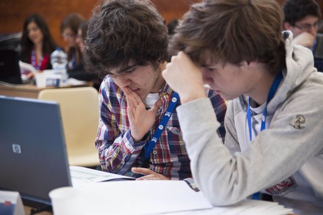 Estudiantes Young Business Talents