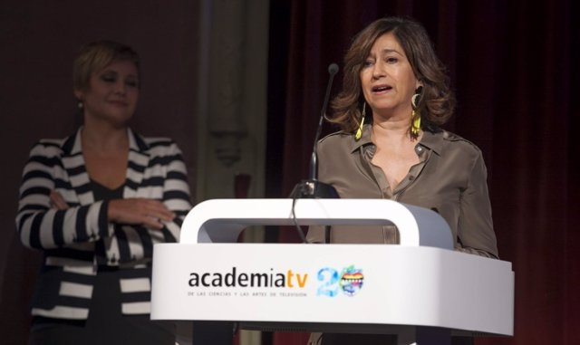 Teresa Guitart recibe el Premio Talento 2016 de la Academia de la Televisión