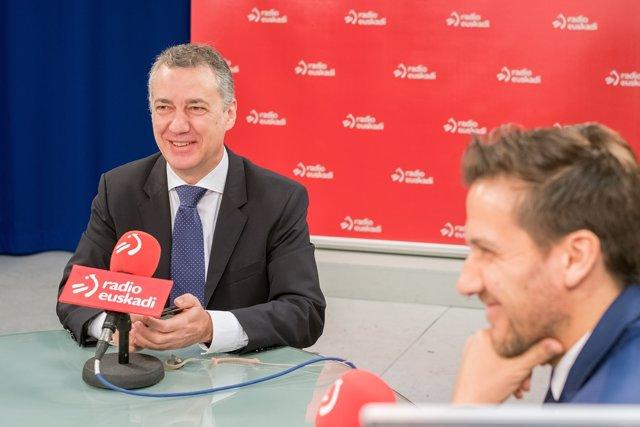 Urkullu Radio Euskadi irratian egin dioten elkarrizketan