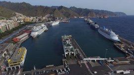 Los puertos canarios registran un 9% menos de cruceristas en 2016