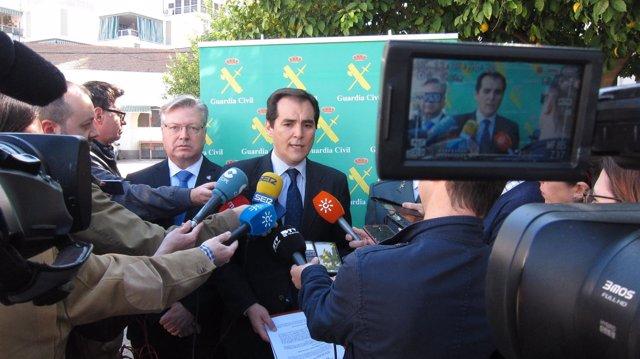José Antonio Nieto atiende a los medios