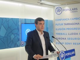 """El PP catalán pide no tapar con """"una gran estelada"""" los procesos judiciales"""