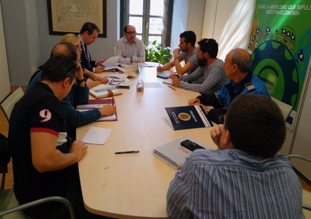 Reunión de Luis Vélez con los sindicatos policiales