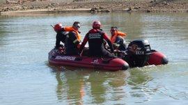 Bomberos de la DPZ realizan un simulacro de búsqueda en el embalse de Mequinenza