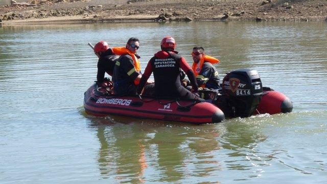 Simulacro de los bomberos de la DPZ realizado hoy en el embalse de Mequinenza