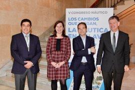 Armengol muestra su apoyo al sector náutico y destaca el gran potencial que tiene en Baleares