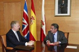 Embajador del Reino Unido: El Brexit no tendrá efectos negativos sobre el turismo británico en Cantabria