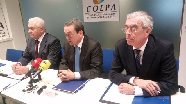 De izquierda a derecha, Gómez, Albarracín y Cano