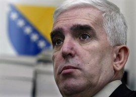 Bosnia investigará por irregularidades al abogado que apeló la absolución de Serbia por genocidio en la guerra