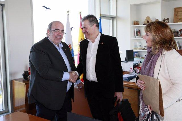 Oria recibe en su despacho al alcalde de Astillero