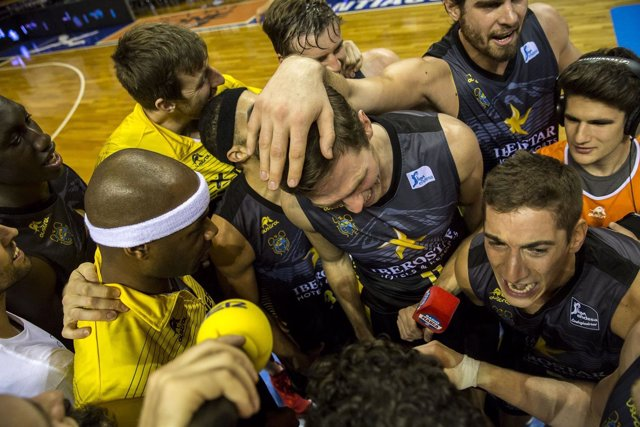 El Iberostar Tenerife celebra una victoria