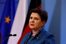 """La primera ministra polaca augura futuro """"funesto"""" de la UE si les bloquean fondos como amenazó Hollande"""