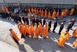 La Policía tailandesa acaba sin éxito la búsqueda de un clérigo opositor en el mayor templo budista del país