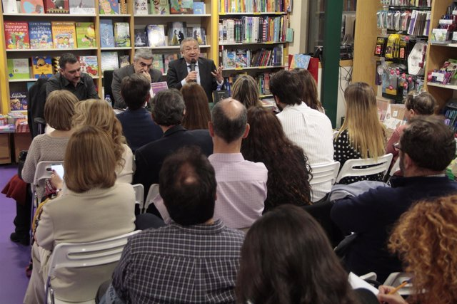 José Manuel Muriel presenta 'Pesadillas'
