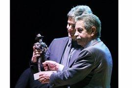 Nando Agüeros recibe el Premio Nacional de Música 'Tino Casal' por 'Viento del Norte'