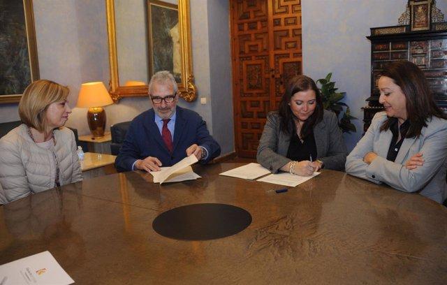 Iprodeco y la Cámara de Comercio de Córdoba firman un acuerdo