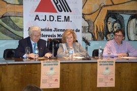 La delegada de Salud en Jaén inaugura las XVIII Jornadas provinciales sobre la Esclerosis Múltiple