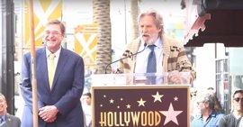 VÍDEO: Jeff Bridges resucita a El Nota de El gran Lebowski en homenaje a John Goodman