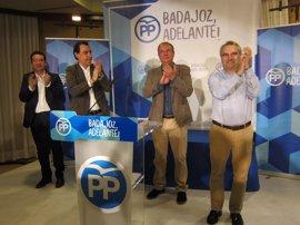"""Monago acusa a Fernández Vara de ser el """"inspirador"""" de la moción de censura en Badajoz"""