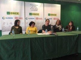 La ONCE celebra el Día Internacional de la Mujer homenajeando a dos mujeres y una mesa redonda