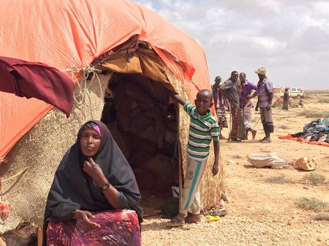 Un familia somalí desplazada.