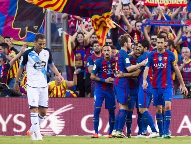 Deportivo Barcelona Fernando Navarro Busquets Neymar Rakitic