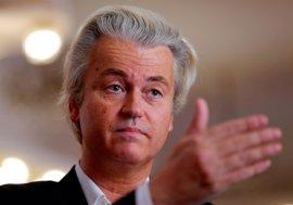 """Wilders invita a la ministra turca a """"no volver más"""" a Países Bajos"""