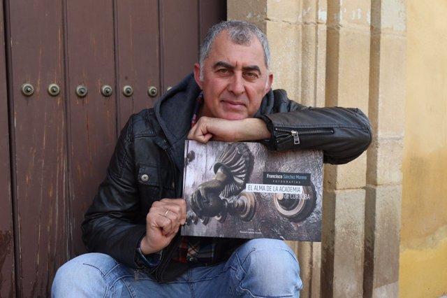 El fotógrafo Francisco Sánchez Moreno muestra su nuevo libro