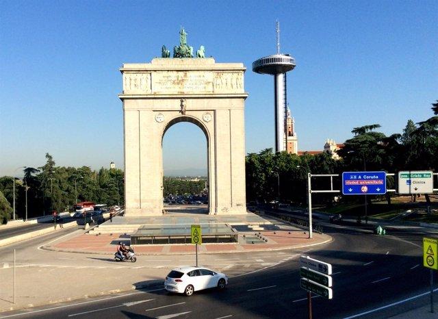 Calles y símbolos franquistas, franquismo, Arco de la Victoria de Madrid