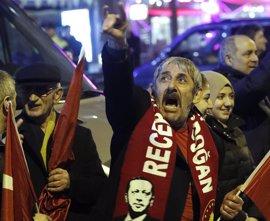 El veto a los mítines de los ministros turcos provoca un grave conflicto diplomático entre Ankara y la UE