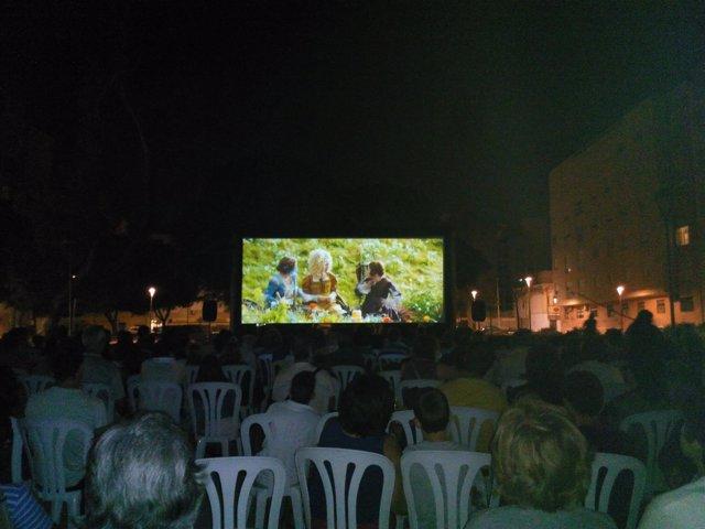 El Circuito de Cine de Verano permite disfrutar del séptimo arte al aire libre.